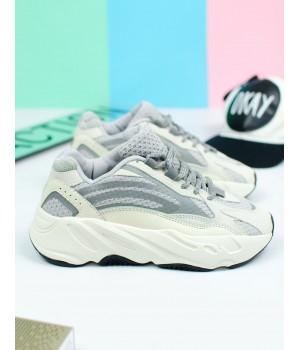 Кроссовки женские Adidas Yeezy Boost 700 Grey