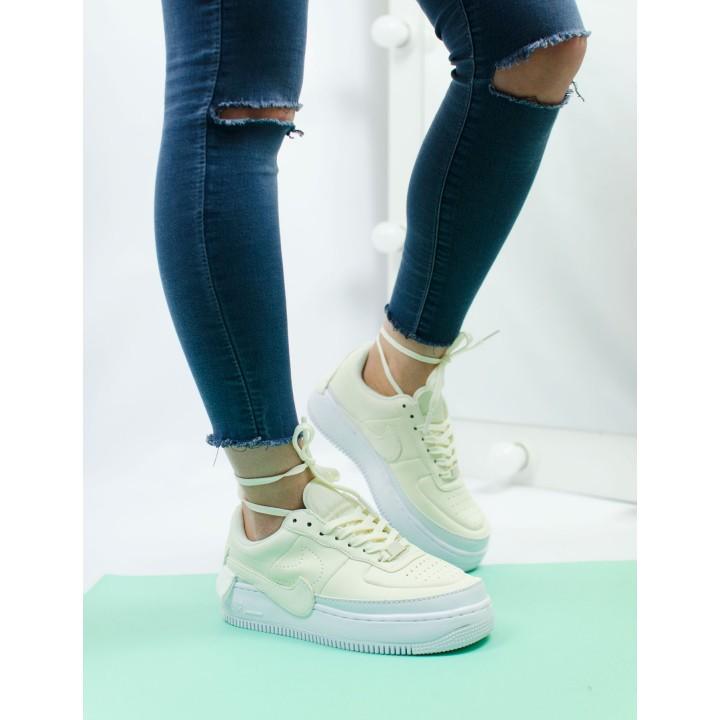 Кроссовки женские Nike Air Force 1 light yellow