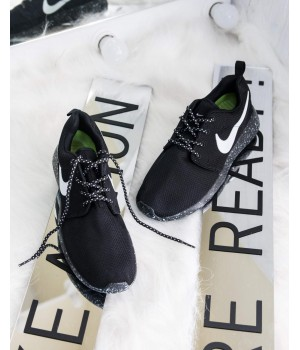 Кроссовки Nike Roshe Run Black/White