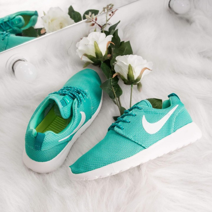 Кроссовки  Nike Roshe Run  Neon Green