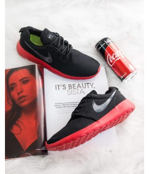 Кроссовки Nike Roshe Run Black Red