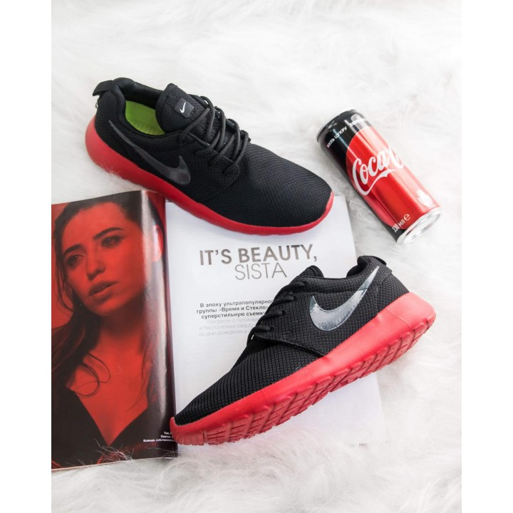 Кроссовки Nike Roshe Run Black Red