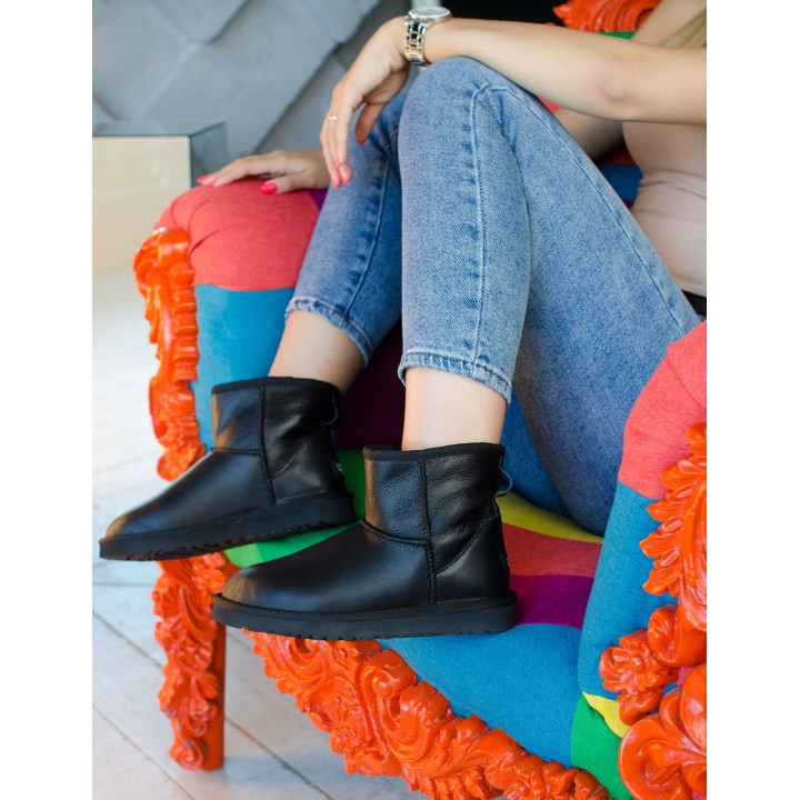 Ugg Classic Leather Mini Black